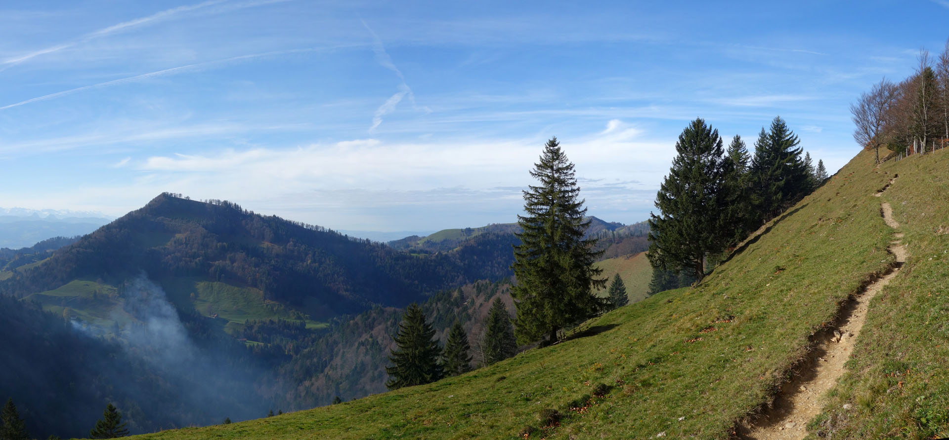 Wanderweg am Hang